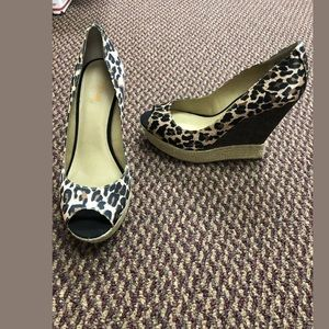 Levity leopard wedge shoes size 8.5